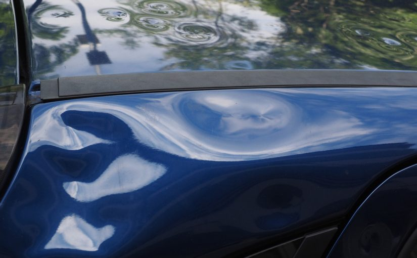 Miałeś wypadek? Ktoś przerysował Ci auto pod sklepem?